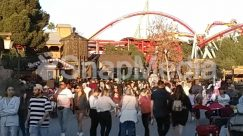 Tourist,Theme Park,Amusement Park,crowd