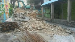 Rubble, Slate, Earthquake, Demolition, Rock, Town, Street, Building, City, Road, Flagstone, Path, Plant, Tree, Apartment Building